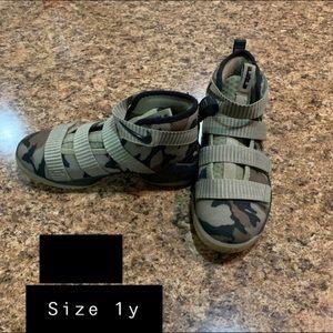 Kids boy shoes
